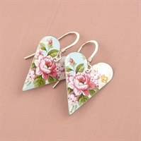 Picture of Pretty Floral Medium Heart Earrings (short earwire)