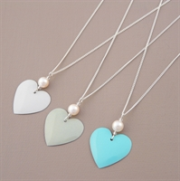Picture of Bridesmaid Round Heart & Pearl Pendant