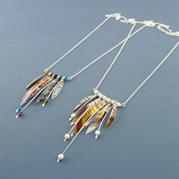Picture of Long Wire & Five Leaves Necklace