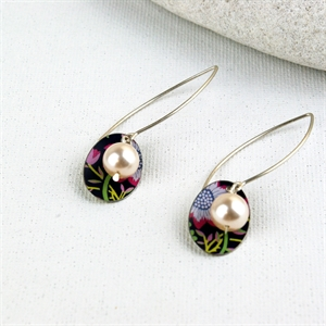 Picture of Liberty Print Oval & Pearl Earrings JE47