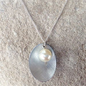 Picture of Aluminium Oval & Pearl Necklace JS47b-A