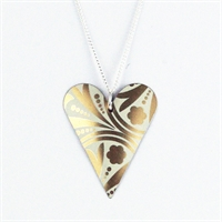 Picture of Gold Pattern Medium Slim Heart Necklace